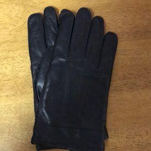 Isotoner fleece lined gloves. Large.